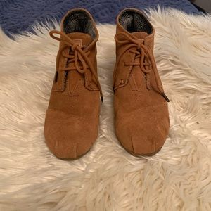 TOMS Suede Wedges 6.5